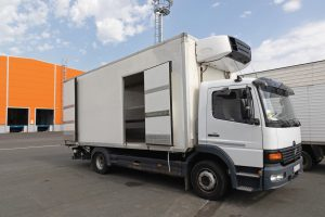 Refrigerated Cargo Transport Truck With Cooling Unit