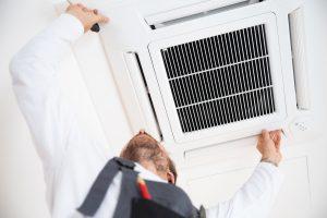 Installation einer Klimaanlage